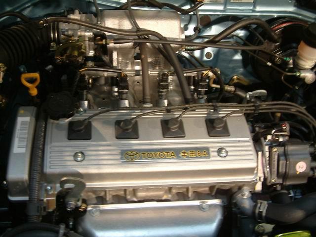 两厢夏利N3发动机