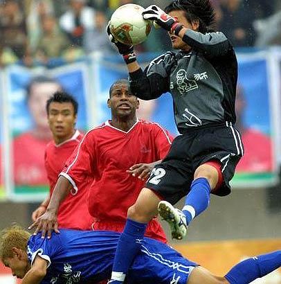 萨里奇发威蓝狮客场1-0胜馨安园结束八场不胜纪录
