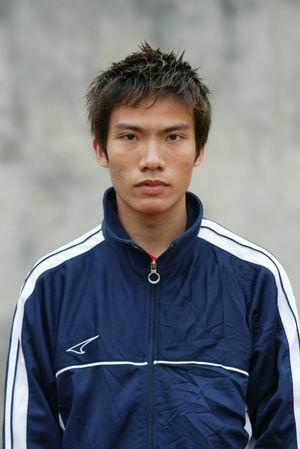 资料图片-05中甲广州日之泉队队员照片前卫冯俊彦