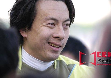 图文-长春亚泰9-0狂胜大连长波安琦有多少无奈!