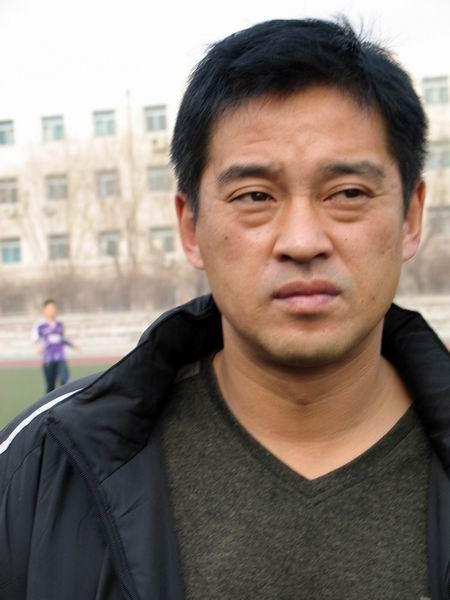 图文-国力正常训练等待结果主教练王涛