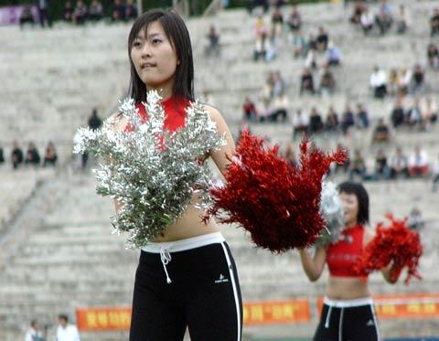 图文-延边队足球宝贝亮相舞出我们的青春活力!