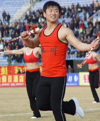 图文-延边1-0有有获首胜男足球宝贝成另一道风景线