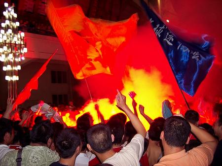 图文-[中甲]建业2-0上海康博庆祝有种异国情调