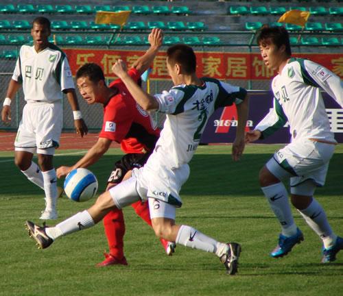 图文-[中甲]绿城1-0延边如愿拿三分俞峰面对旧主