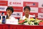 图文-上海足球赛召开赛前发布会谢晖李彦亮相