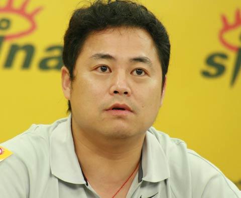 图文-足球报总编刘晓新/记者李承鹏做客满怀信心