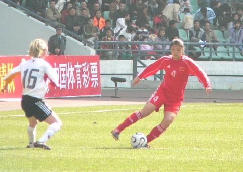 图文-中国女足0-0德国暂列第一翁新芝扰乱对手视线