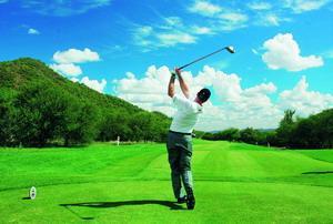 背着球包出游三次北方新年高尔夫的数字计划