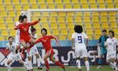图文-[亚运]女足2-0韩国夺季军刘亚莉全力争顶