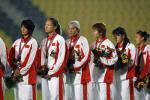 图文-[亚运]女足2-0韩国夺季军中国队出席颁奖仪式