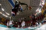 图文-男篮决赛中国59-44卡塔尔萨意德飞身救球