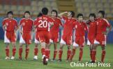 图文-国奥点球战负伊朗无缘亚运4强队友们迎接海滨