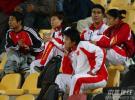 图文-国奥点球战负伊朗无缘4强女足队员现场观战