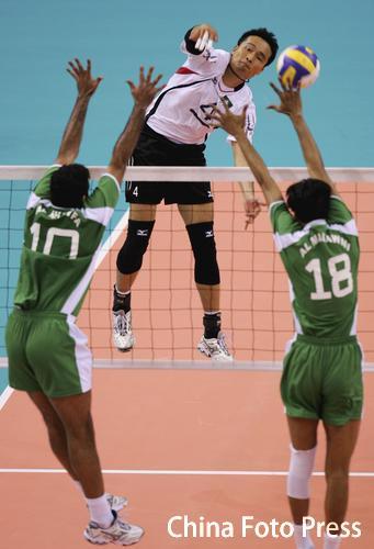 图文-多哈亚运会男排资格赛中国澳门0-3不敌沙特