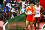 图文-亚运男子110米栏预赛友善回答记者提问