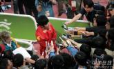 图文-刘翔夺冠打破亚运纪录这里主要是中国媒体