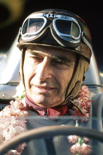 舒马赫亦望之项背者青史留名F1车坛传奇第一人