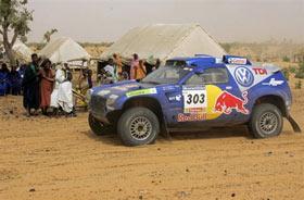 达喀尔第12日:塞恩斯赛段最快卢宁军遭机械故障
