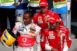 F1巴林站马萨强势夺杆位汉密尔顿创造个人新高