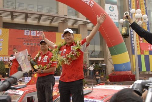 长丰猎豹车队称雄环塔拉力赛刘斌夺得车手总冠军