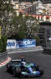 独家图-F1摩纳哥站周四练习赛巴顿在赛道上