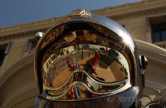 独家图-F1摩纳哥站周四练习赛华丽的影像和光芒