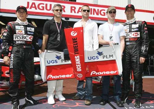 F1摩纳哥站排位赛 车手与明星展示美洲虎新鼻翼
