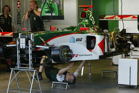 F1美国站排位赛 美洲虎车队积极备战 5