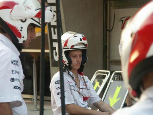图文-F1中国站正赛在即丰田车队做进站演练(3)