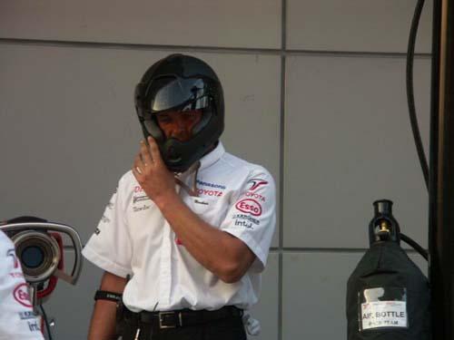 图文-F1中国站正赛在即丰田车队做进站演练(6)