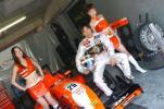 图文-澳门格兰披治F3赛车宝贝相伴英雄