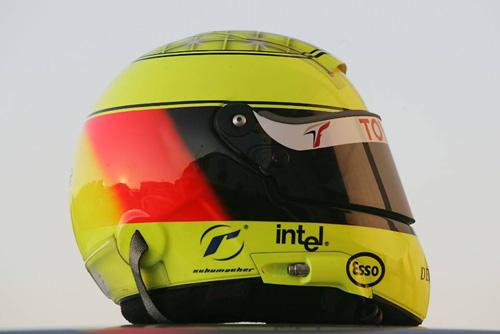 图文-F1赫雷斯赛道试车第3日小舒马赫头盔侧面