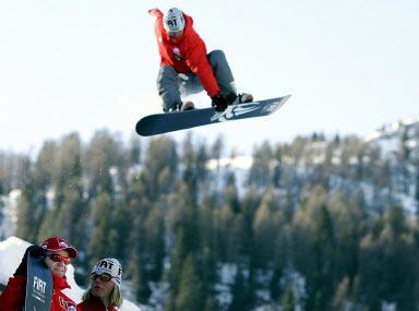 图文-法拉利车队滑雪胜地度假巴里切罗向往成为高手