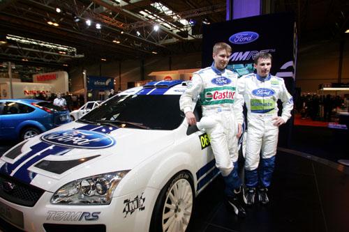 图文-福特车队发布05款WRC赛车两位车手出席发布