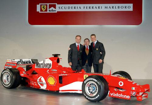 图文-F1法拉利车队发布新车托德左拥右抱爱将