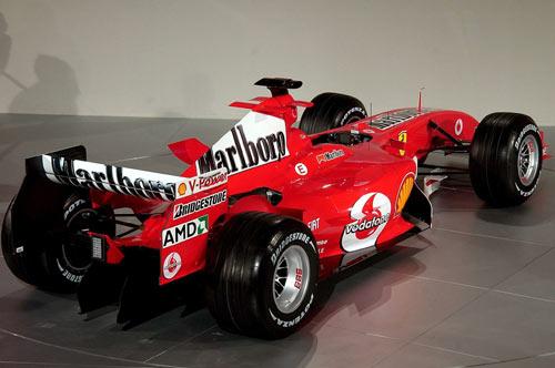 图文-F1法拉利车队发布新车斜侧方观F2005