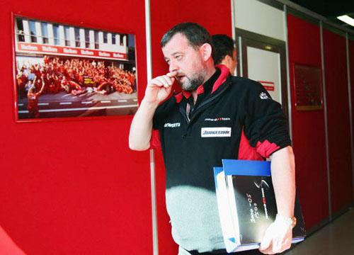 图文-F1澳大利亚站首次练习斯图达特很恼火