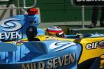 独家图-在墨尔本近距离接触F1雷诺赛车引擎盖(4)