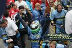 图文-F1澳大利亚站颁奖仪式拿下赛季首个冠军