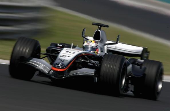 图文-F1匈牙利站排位赛蒙托亚驾车姿态威猛无比