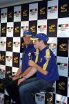图文-英美F1车队引领上海磁浮开心的戴维森