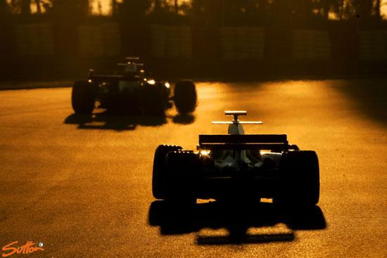 图文-F1巴塞罗那试车第三日库特哈德追赶海菲尔德