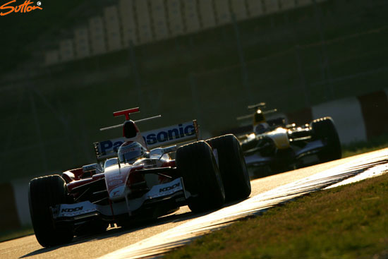 图文-F1巴塞罗那试车第三日特鲁利快过库特哈德