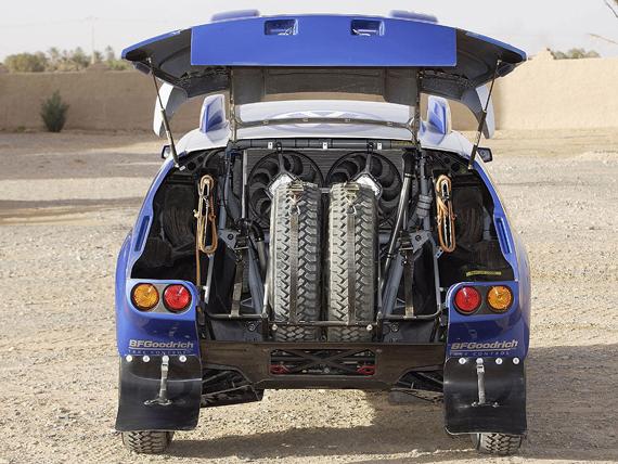 图文-大众途锐2赛车欣赏标配两颗封闭备胎