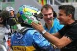 图文-F1马来西亚站排位赛车队经理道贺