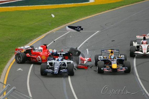 图文-F1澳大利亚站火爆上演马萨追上罗斯伯格车尾撞车