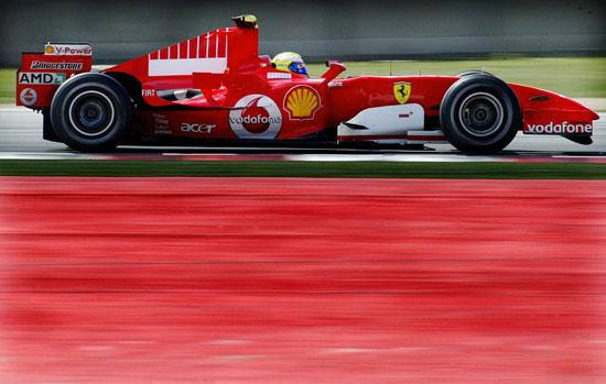 图文-F1巴塞罗那试车次日马萨赛道上测试