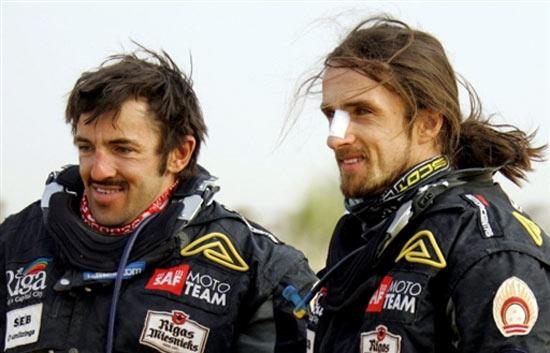 图文-达喀尔拉力赛第12赛段拉托维亚车手温特兄弟