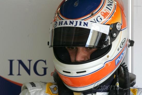 图文-F1巴林试车第三日雷诺试车手小皮奎特